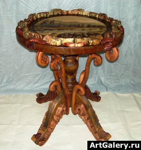 Журнальный столик резной из дерева